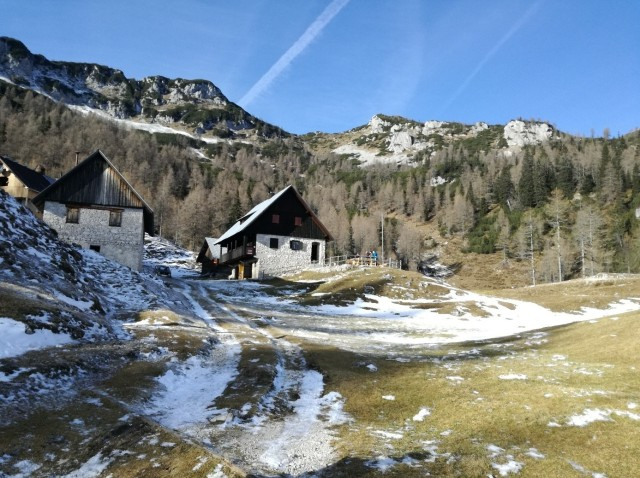 Blejska koča, Blejska moutain hut